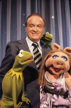 Bob Hope with miss piggy and kermit the frog