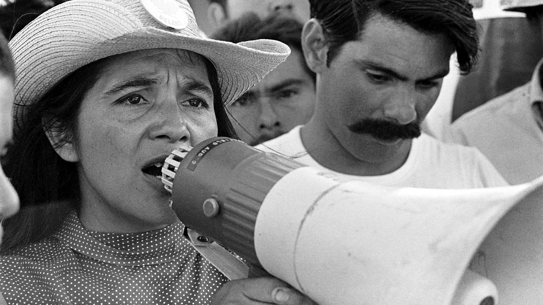 Dolores Huerta organizes marchers