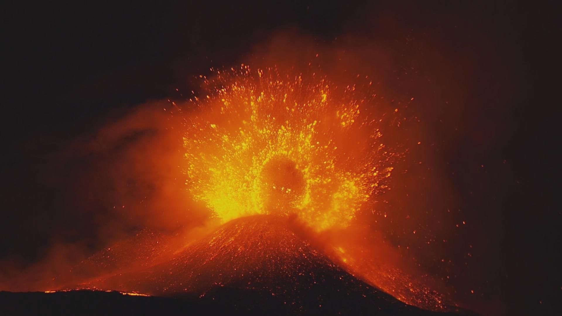 Big volcano erupting!