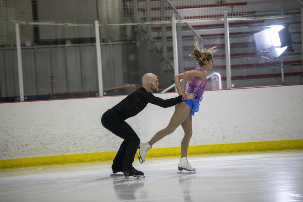 2 Figure skaters on ice