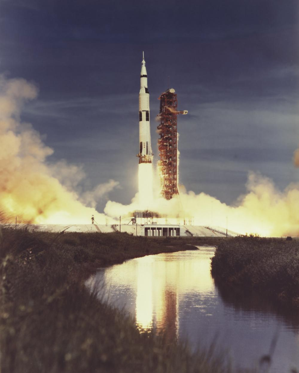 Image of the Apollo Rocket launching