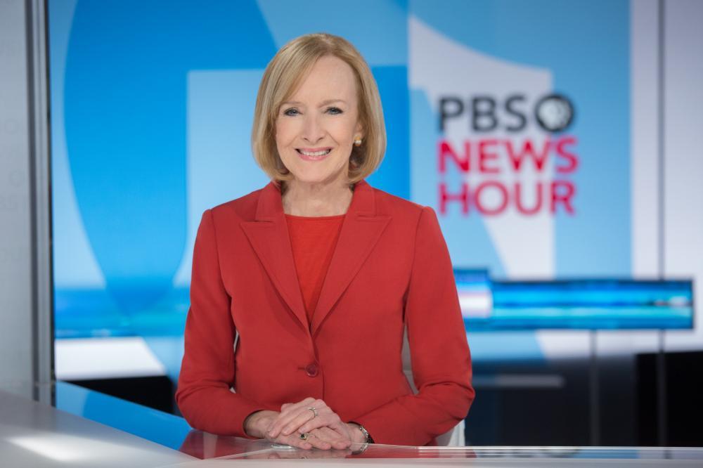 Judy Woodruff at the news desk